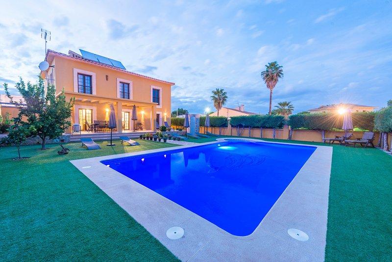 FINCA CA NANTONIA - Villa for 8 people in Sa Coma, aluguéis de temporada em Sa Coma
