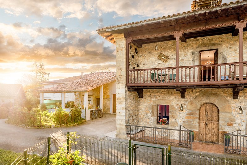 Casona la Llana, holiday rental in Romillo