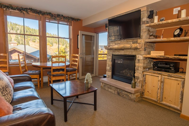 Fabulous upgraded condo with slope views