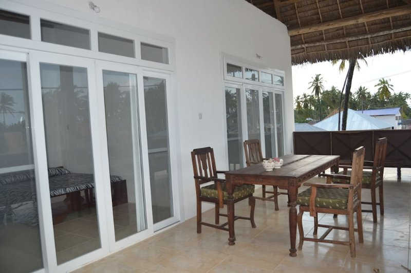 Yelow Card apartment & Bungalows - Room 2, holiday rental in Jambiani