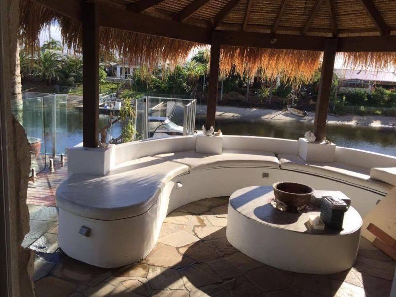 Marvelous Bali Hut House, vacation rental in Burleigh Waters
