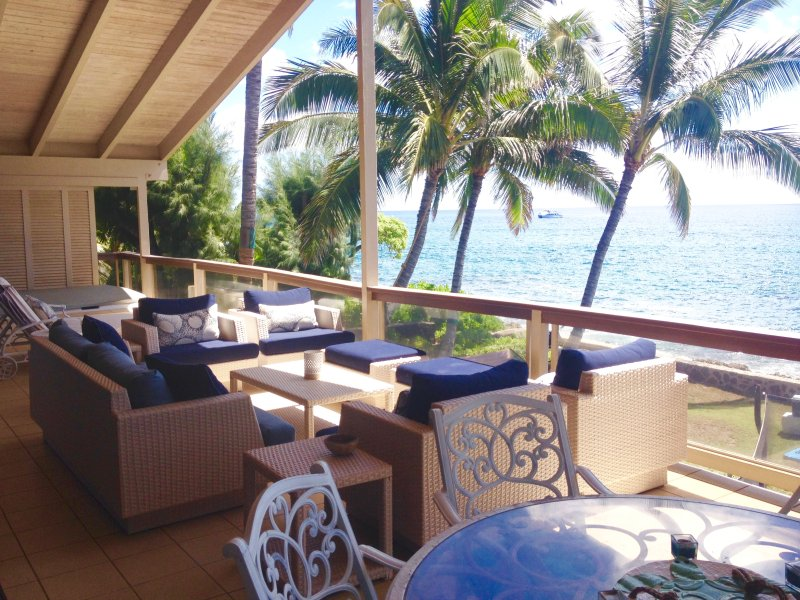 Gorgeous, oceanfront upper lanai with oversized, comfortable furniture and amazing views!