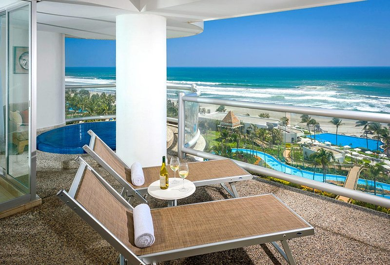 Grand Mayan one bedroom condo complete with large balcony and private plunge pool