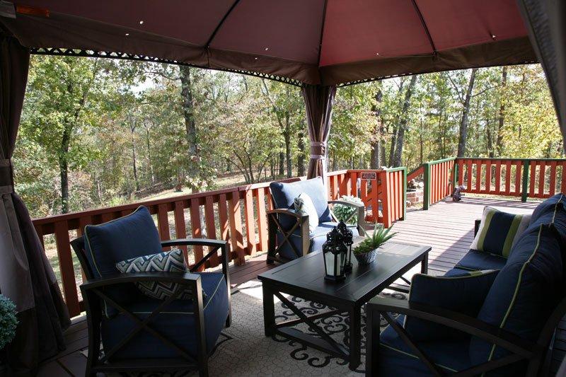 La cubierta lateral, pintado y listo para darle la bienvenida a las montañas Ozark.