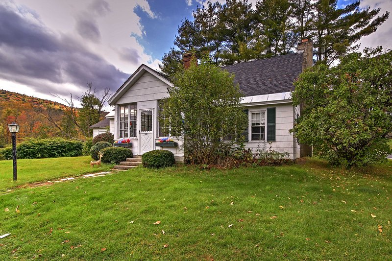 Historic Chester House 10-30 Mins to 5 Mountains!, location de vacances à North Springfield