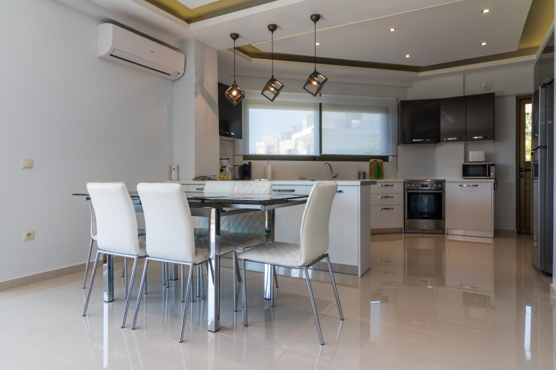 Amazing Holiday Apt / Ocean Views, vacation rental in Athens