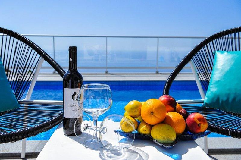 Villa Orlanda - Pool, A/C and ocean view, vacation rental in Calheta