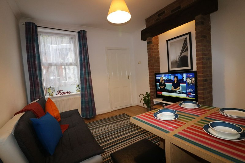 Salisbury House - Huku Kwetu Serviced (Corporate) Accommodation, location de vacances à Luton