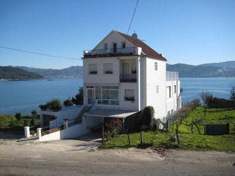 House - 4 Bedrooms with WiFi - 100559, aluguéis de temporada em Soutomaior
