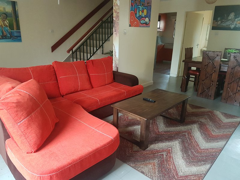 Hera - Quiet and Cozy Home near JKIA Airport, vacation rental in Embakasi