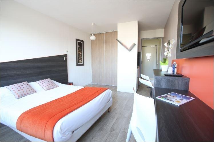 Adonis Paris Sud Master Bedroom Second View