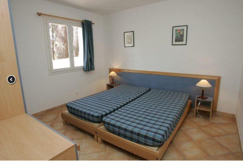 Adonis Borgo Bedroom