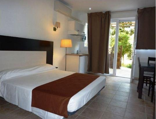 Adonis Saint Florent Master Bedroom