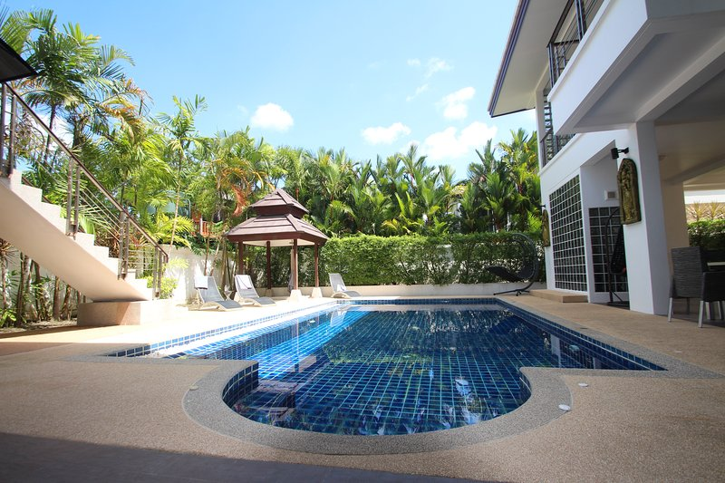 Paradise Villa in Kamala 5+1 bedrooms, holiday rental in Kathu