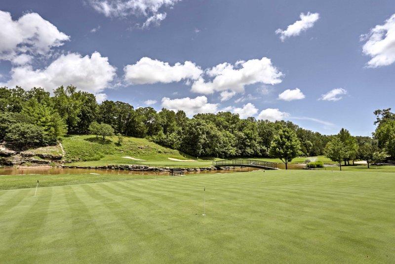 ávidos golfistas no grupo vão adorar este curso intocada.