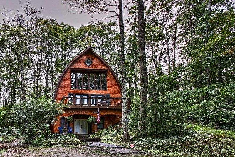 Trouvez le joyau caché du Michigan lors de votre séjour dans cette maison de location vacances 3 chambres à Bellaire!