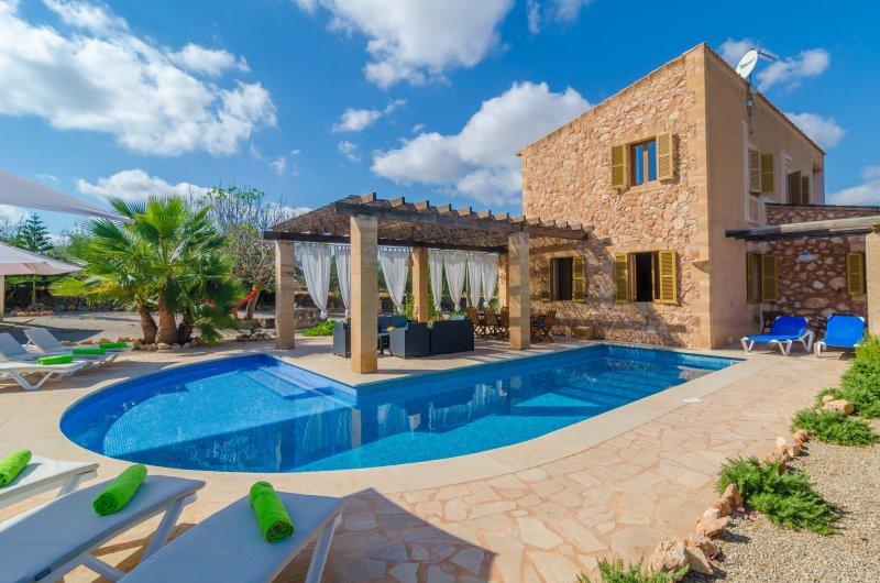 CA NA CARME - Villa for 8 people in CAMPOS – semesterbostad i Campos