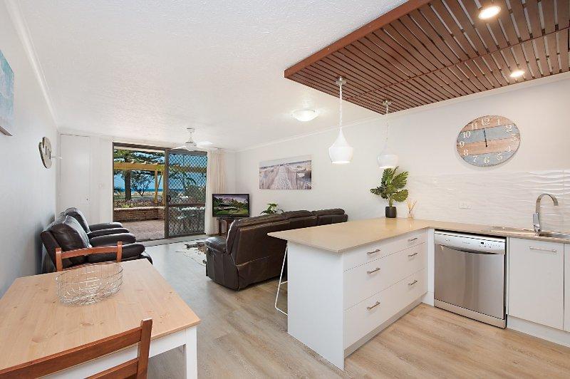 Kirra Vista 4 - Beachfront & Ground Floor, holiday rental in Bilambil Heights