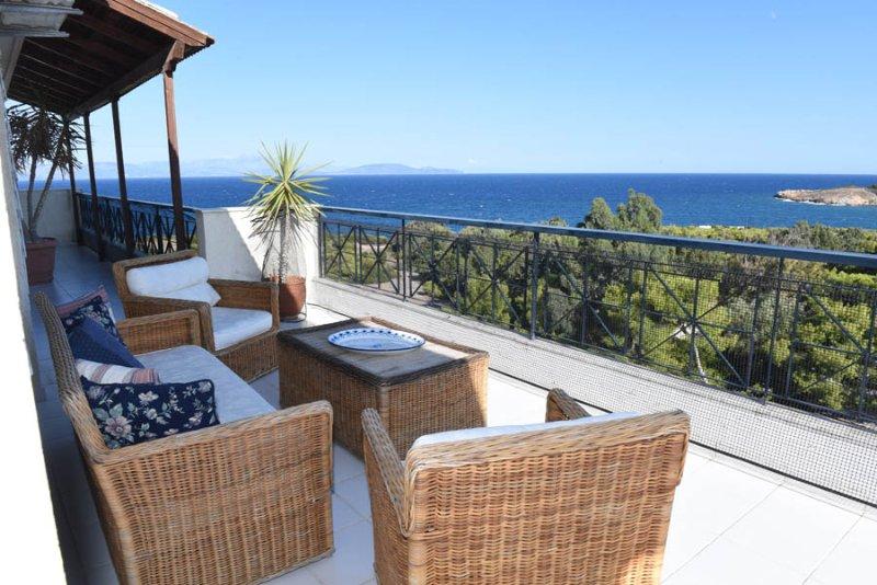 Top Floor 360 view, vacation rental in Rafina