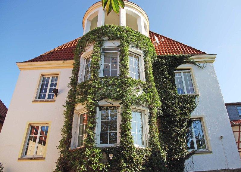 Vue extérieure de l'appartement dans la villa Art Nouveau de la 1930e