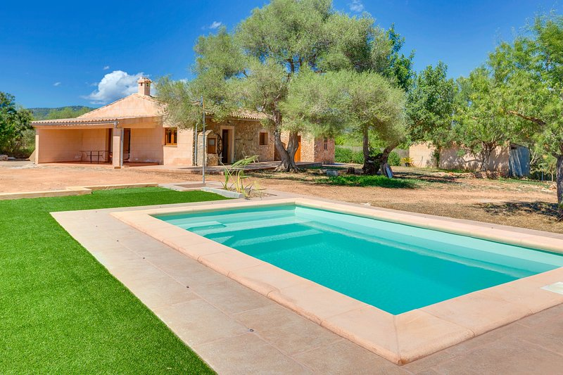 VILLA CALVIA by Priority Villas, holiday rental in Santa Ponsa