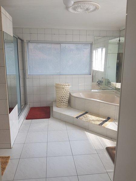 Unit 1 - Self catering - Bathroom