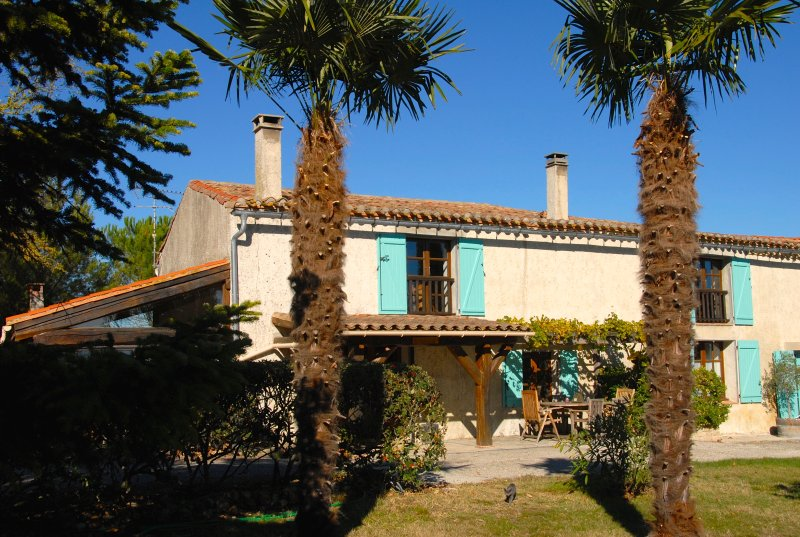 Domaine Saladry - Les Acacias 4 bedroom 4* luxury Gite, vacation rental in Carcassonne Center