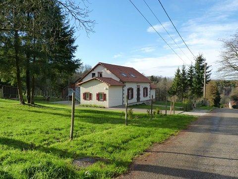 Meublé de Tourisme de la Maison Forestière de Bonne Fontaine, holiday rental in Petersbach