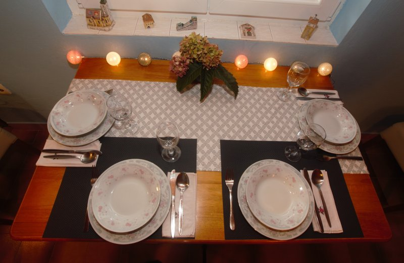 endroit à manger romantique et chaleureux