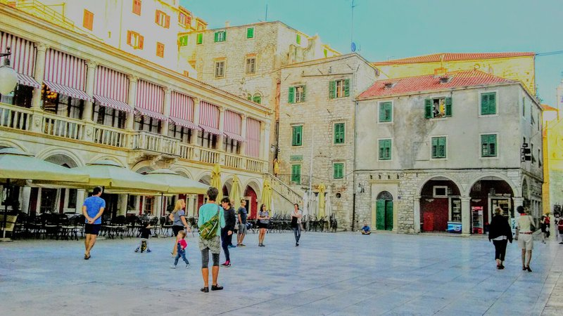 En savoir plus sur l'architecture et l'histoire Sibenik.