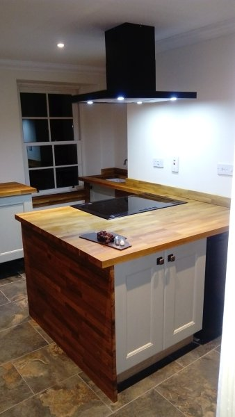Solid oak kitchen, electric rangecooker 5 hobs and heating plate, double oven and grill Belfast sink