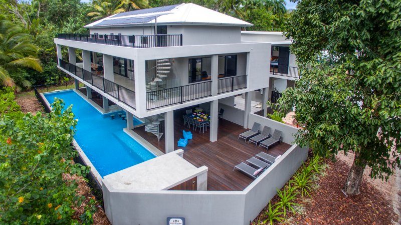 The Port Douglas Beach House - aerial view