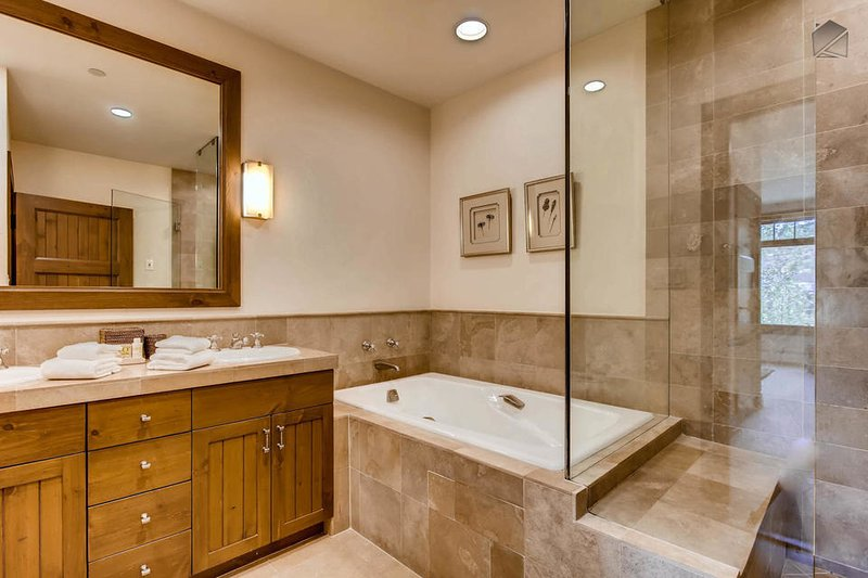 Take a long soak in the Master tub. Though it no longer functions as a jacuzzi, it's still a perfect place to soak after a day on the slopes.