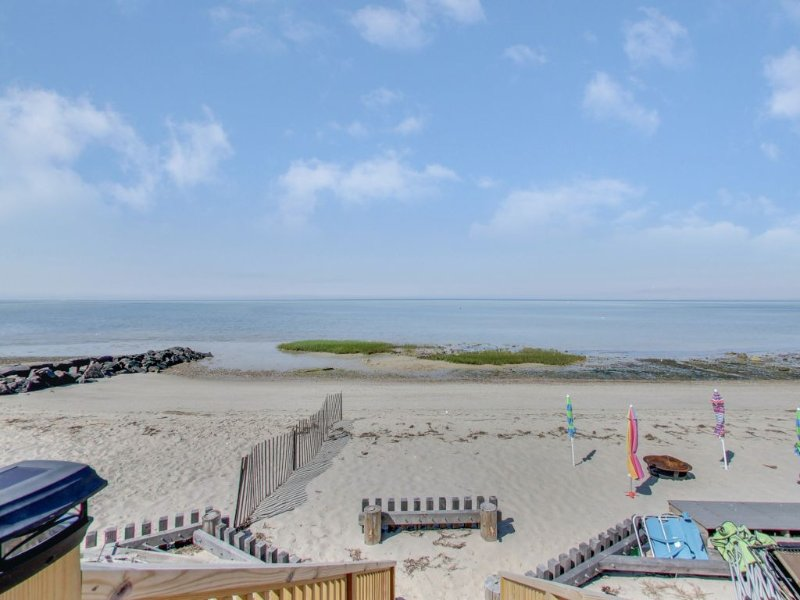 Big and Beautiful on the Beach in Brewster -- Sleeps 14+: 041-B, vacation rental in Brewster