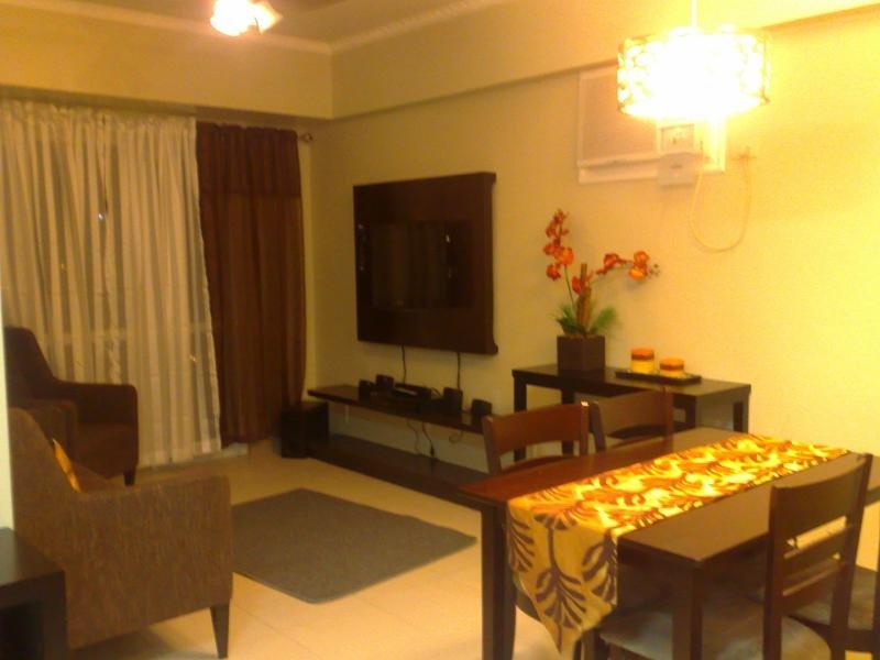 Dansalan - 2 Bedroom Condo for Rent (Iris Building), alquiler vacacional en Mandaluyong