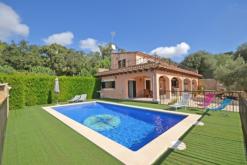 Victori country house with swimming pool in sineu - Summer house with swimming pool review ...