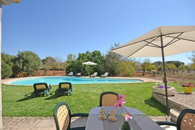 Molinot country house with swimming pool in buger - Summer house with swimming pool review ...