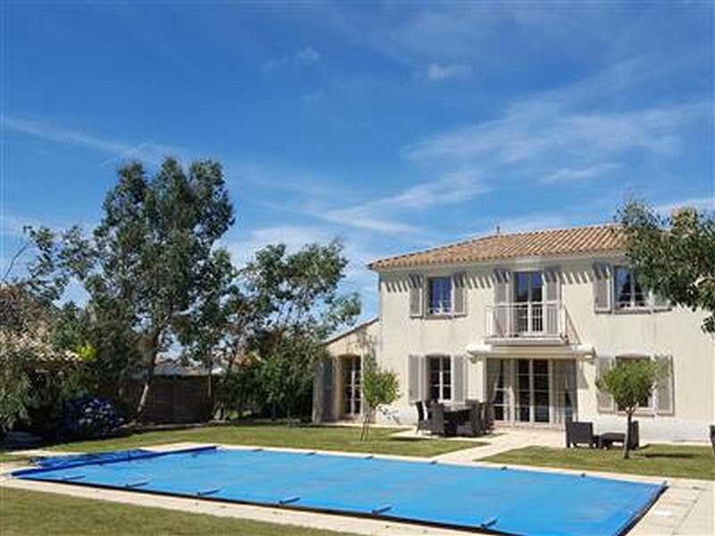 Villa Ruby, holiday rental in Saint-Reverend