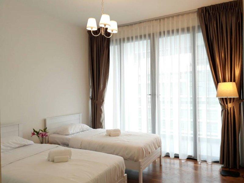 Bedroom 2 - 2 x Singles