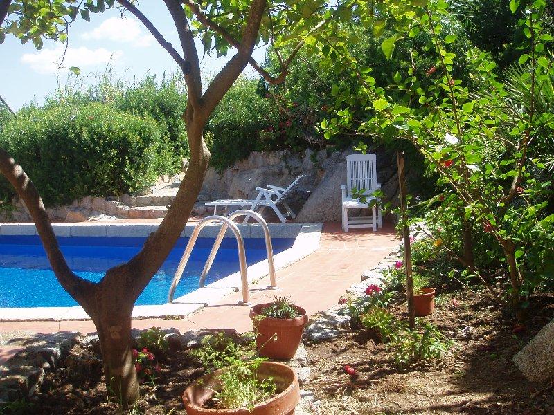 bilocale 2 con piscina 200m dal mare, location de vacances à Simius