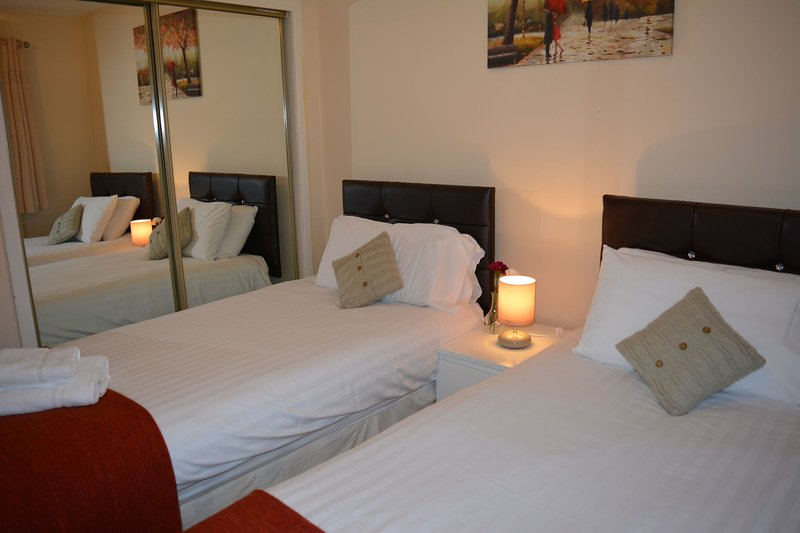 Twin single beds in the bedroom