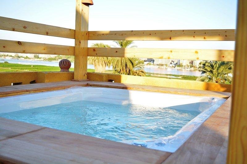 """Jewel of the Valley - """"Howard Carter guest House """", casa vacanza a Luxor"""
