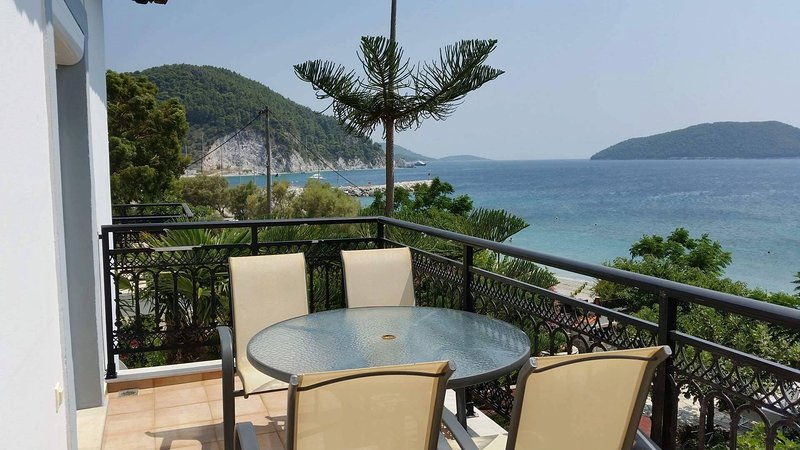 Exclusive sea view Beach House, vakantiewoning in Panormos