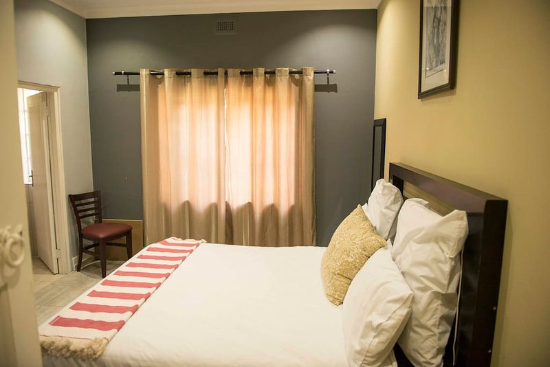 Klelya's Guest House - Room 3, alquiler vacacional en Germiston