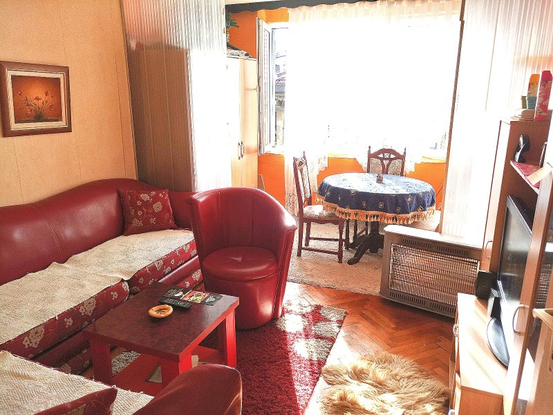 Apartment Nadir, TOP Location !, alquiler vacacional en Pale
