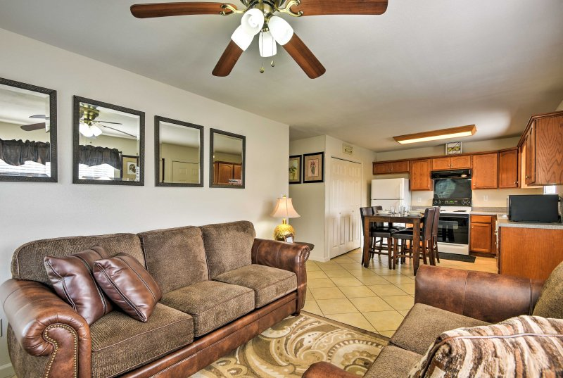 This Knoxville vacation rental home features brand new furnishings!