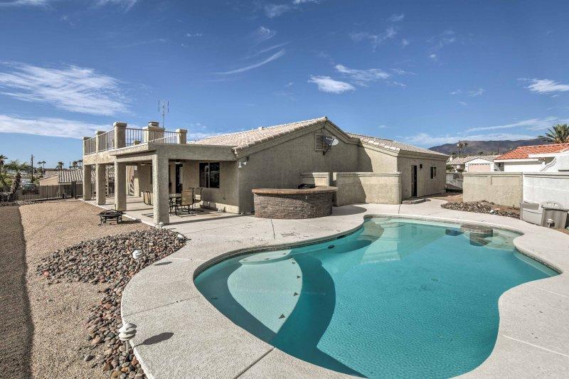 Let this Lake Havasu vacation rental house serve as your Arizona home base!