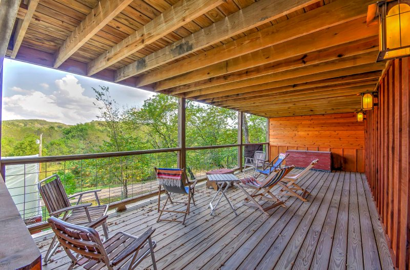 Escape to the Ozark forest by booking this 1-bathroom studio cabin in Newburg, Missouri!