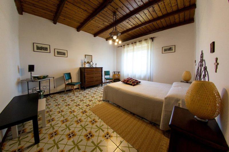 EtnaFamilyHouse - Villa ai piedi dell'Etna, holiday rental in Pedara