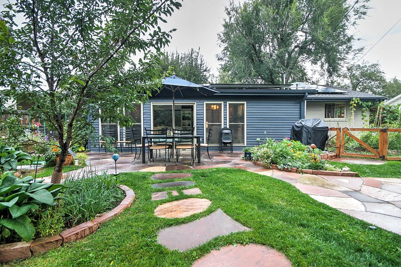 Remarkable Boulder Home W Sunroom Fenced Yard Near Pearl St Updated Home Interior And Landscaping Ologienasavecom